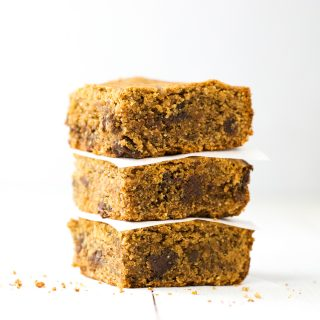 Peanut Butter Chocolate Chip Bars {Gluten Free}