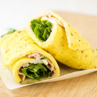 Turkey arugula omelet roll